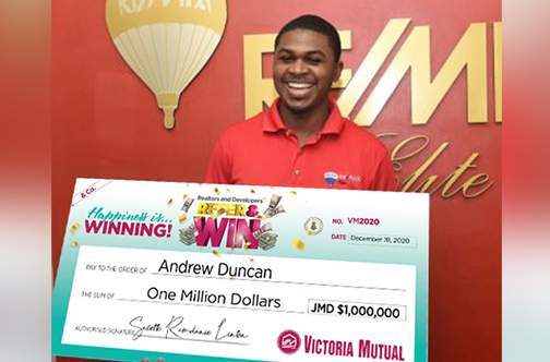 VM makes Christmas merry for two with $1-m prizes